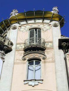 Casa Fenoglio-La Fleur (turin, italy). Love Torino (Italian Paris)...especially my friends who live there.