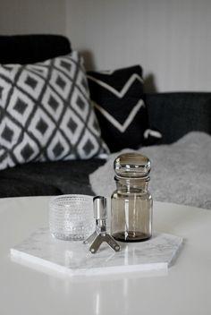 Klä in en träbricka med marmorplast från Nordsjö Idé & Design - 101 Idéer