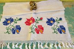 421. European flax linen towel, vintage organic linen towel, handloomed pure flax linen towel, homespun hand embroidered towel (unused) Hungarian Embroidery, Embroidered Towels, Linen Towels, Off White Color, Damask, Quilt Blocks, Cross Stitch, Organic, Pure Products