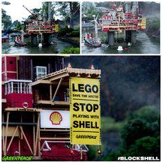 Legáčci okupuji ropnou plošinu #Shell v Legolandu v Dánsku a požadují, aby se #LEGO vzdalo svého partnerství s touto ropnou firmou.  Teď je to na nás - napište email firmě LEGO a podpořte jejich protest.  ▉▉▉ www.legoblockshell.org ▉▉▉