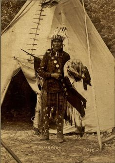 Indian Pictures: Blackfoot/Blackfeet Indian Tipis