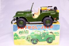 VINTAGE SHOWA JAPANESE ARMY PATROL JEEP W/BOX! #SHOWA, GREAT EXAMPLE OF A RARE PRODUCTION OF AN AMERICAN JEEP BY A JAPANESE COMPANY