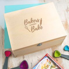 Engraved 'Bakers Gonna Bake' Wooden Recipe Box  A beautiful wooden recipe box engraved with our design 'bakers gonna bake' - perfect for storing baking recipes and items! Find it at @dustandthings  #recipes #recipebox #bethoughtful #kitchen #kitchengoals #surprisegifts #baking #storage #storageideas #kitchenstorage  #personaliseditems #homeaccessories #gifts #personalisedgifts #thoughtfulgifts #stylematters #amatterofstyle