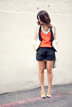 Orange blouse and navy shorts with a cream/navy blazer Moda Casual, Casual Chic, Look Fashion, Fashion Outfits, Womens Fashion, Cute Summer Outfits, Cute Outfits, Estilo Navajo, Looks Style