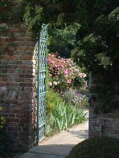 Front courtyard- Sissinghurst Castle