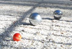 Pétanque lawn bowling Place du Village Cayla
