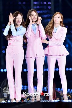 Girls Generation[SNSD] Performed at The 20th Anniversary of the 'We Love Korea 2014 Dream Concert' - Jun 7, 2014 [PHOTOS2] http://www.kpopstarz.com/tags/girls-generation