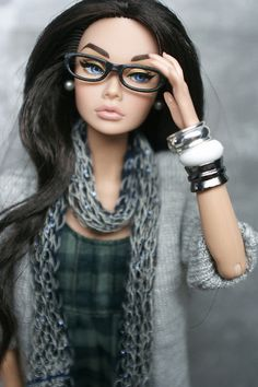 Previous pinner said: Do Barbies look like this now? I might have felt better about myself growing up if I'd had her! ~ But this is not Barbie, it is Poppy Parker Barbie Mode, Barbie I, Barbie World, Barbie Clothes, Barbie Style, Barbie Fashionista, Fashion Royalty Dolls, Fashion Dolls, Mode Swag