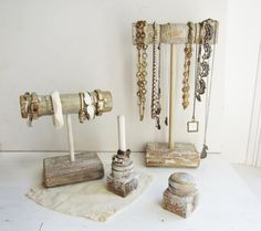 vintage displays jewelry - Buscar con Google