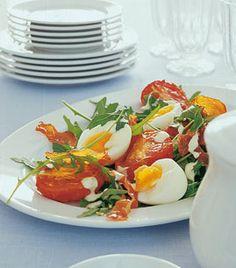 Rucolasalat mit Ei und Parmaschinken  (vielleicht Avocado dazu?)
