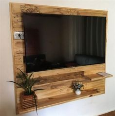 DIY Recycled Wood Pallet Ideas for Projects And Carfting Ideas – Pallet Projects Wooden Pallet Projects, Wooden Pallets, Pallet Tv, Pallet Ideas, Furniture Making, Furniture Decor, Pallet Furniture Tv Stand, Diy Holz, Rustic Decor