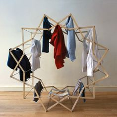 Graduate designer Aaron Dunkerton has developed an expandable clothing airer that unfolds into a star shape to create more space for hanging wet garments. Clothes Drying Racks, Clothes Dryer, Hanging Clothes, Clothes Horse, Clothes Hangers, Star Clothing, Clothing Hacks, Log Furniture, Furniture Design