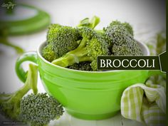 Broccoli This is a quintessential healthy food! It's easy to understand that it's an alkaline food. Broccoli has so much going on you simply have to make an extra effort to get more of it into your system. Some people eat broccoli every day as a way to maintain good health and make sure they're on the alkaline side. You at least want to eat it multiple times a week, with 3 or 4 times being a good rule of thumb.