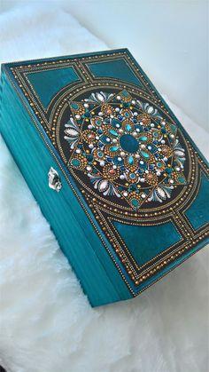 Large Teal Dot Mandala Wooden Box- With Velvet Lining Mandala Art, Mandala Painting, Mandala Drawing, Dot Art Painting, Stone Painting, Box Design, Design Art, Jewelry Box Makeover, Painted Wooden Boxes