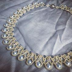 13 vind-ik-leuks, 2 reacties - Sandra Scholte (@trinketsbeading) op Instagram: 'Blue and silver round necklace. #beadedjewelry #necklace #TrinketsBeadwork'
