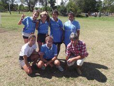 """Equipo de fútbol femenino del barrio """"El Ciclón"""""""