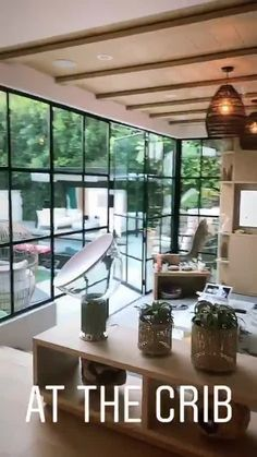 Justin Bieber gives fans a look inside his house and it's swanky Dream Pictures, Cool Pictures, Justin Bieber House, Justin Hailey, Beverly Hills Houses, Celebrity Houses, Hailey Baldwin, Perfect Place, Architecture