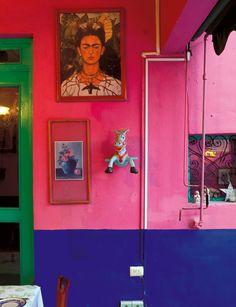 Spirited Away in Mérida Mexican Style Decor, Mexican Colors, Mexican Garden, Estilo Tropical, Mexico Style, Deco Addict, Mexican Designs, Bohemian House, Rustic Design