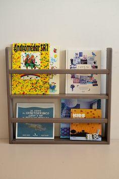 Wooden shelf for books (macarenabilbao.com)