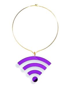 Marina Fini Wifi Choker is sure to give ya full signal no matter where you go~ This sikk choker features an oversized translucent triangular base stamped with bright purple wifi bars, thin golden base, and hook back closures.