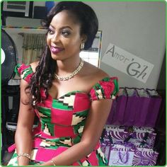 Latest Kente Fabric Styles For Fashionable Ladies - Loud In Naija African Fashion Ankara, Latest African Fashion Dresses, African Print Dresses, African Dresses For Women, African Print Fashion, Africa Fashion, African Attire, African Wear, African Women