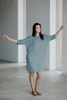Linen Dress Motumo 15S5 - Linen dress with back buttons