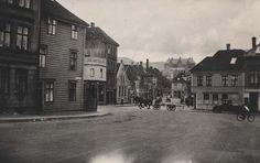 [Baneveien, Bergen] fra marcus.uib.no 12th Century, The St, Capital City, Bergen, West Coast, Norway, Medieval, Survival, Street View