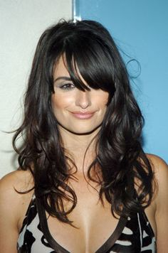 Penélope Cruz and Paul Walker at an event for Noel How To Feel Beautiful, Beautiful Women, Brown Skin, Actors & Actresses, Bangs, Long Hair Styles, Lady, Paul Walker, Beauty