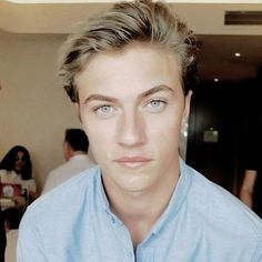 Lucky B Smith, Blue Eyed Men, Bright Blue Eyes, Lucky Blue, Look Man, Blonde Boys, Hot Blondes, Hot Boys, Belle Photo