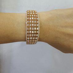 GABRIELLE'S AMAZING FANTASY CLOSET | Emerald-Cut Diamond Bracelet 18k Yellow Gold