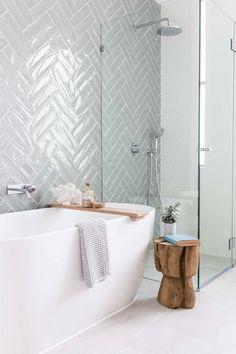 65 Ideas For Bath Room Design Modern Tile Layout Classic Bathroom, Modern Bathroom Design, Bathroom Interior Design, Bathroom Designs, Bath Design, Modern Interior, Design Design, Design Trends, Design Ideas