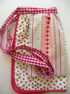 Berry apron--sew sweet!!
