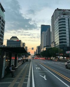 Aesthetic Korea, City Aesthetic, Travel Aesthetic, South Korea Seoul, South Korea Travel, Seoul Night, Places To Travel, Places To Go, South Korea Photography
