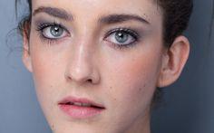 Nécessaire de top: modelos revelam produtos essenciais para ficarem lindas! - Radar Fashion - CAPRICHO