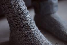 Knitting Socks, Knit Socks, Leg Warmers, Fingerless Gloves, Haku, Slippers, Cabin, Google, Diy
