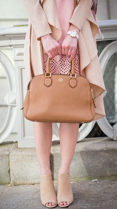 Can't go wrong with delicate neutrals for spring! Love this mixture of blush and beige.