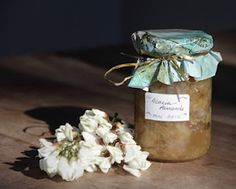 Confiture de fleurs d'acacia aux amandes, un régal