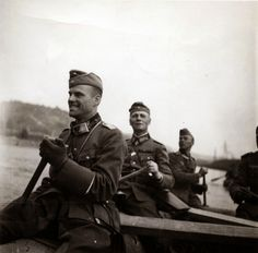 The commander of the Armored Division of the Wehrmacht Panzer-Division), Major-General Erwin Rommel (Erwin Eugen Johannes Rommel) with staff officers crossing the river by boat. German Soldiers Ww2, German Army, Luftwaffe, Division, Erwin Rommel, Military Ranks, Afrika Korps, Major General, The Third Reich