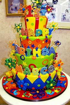 How adorable! This was made by the Cake Boss, Buddy ~ I think that is for his son ~ Fancy Cakes, Cute Cakes, Pretty Cakes, Beautiful Cakes, Amazing Cakes, Crazy Cakes, Cake Boss Buddy, Unique Cakes, Creative Cakes