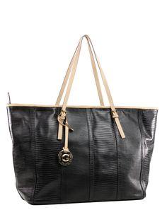 Bolsa feminina grande em couro estampado. Possui amplo espaço interno e quatro bolsos internos. Alças de couro liso.