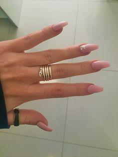 unha rosa com brilhantes Nails, Jewelry, Fashion, Finger Nails, Moda, Jewlery, Ongles, Jewerly, Fashion Styles