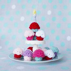 Help celebrate Happy Guppy Toys's first birthday with a free amigurumi crochet mini cupcake pattern