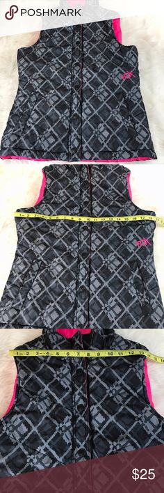 Reversible Puffer Vest Fox Racing Small Medium Good condition-see pics. See pics for measurements. Size small/medium-see pics for sizing. Fox Jackets & Coats Vests