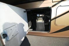 2016 New Thor Motor Coach PALAZZO 36.1 Class A in Arkansas AR.Recreational Vehicle, rv, 2016 THOR MOTOR COACH PALAZZO36.1, Cabinetry-Resort Cherry, Interior-Summit Park, Night Pearl Exterior,