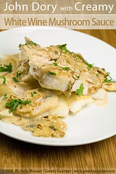 Halibut in Creamy Wine Sauce - Slow Cooker Recipes Creamy Mushroom Sauce, Creamy Mushrooms, Stuffed Mushrooms, Stuffed Peppers, Halibut Recipes, Seafood Recipes, Dory Fish Recipe, Slow Cooker Recipes, Crockpot Recipes