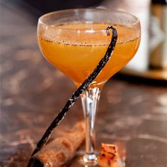 Spooky drinks party? This pumpkin pie margarita has sharp tequila, sweet agave and delicious autumnal vibes