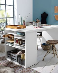 Office Table the perfect desk for creativity! Interior Desing, Diy Interior, Kitchen Interior, Office Table, Home Office, Sheila E, Student Room, Home Organization, Home And Living