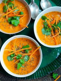 Spicy gulrotsuppe med kokosmelk Veggie Recipes, Soup Recipes, Dinner Recipes, Cooking Recipes, Healthy Recipes, Veggie Food, Vegetarian Dinners, Food Plating, Food Inspiration