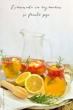 Limonadă cu  rozmarin şi fructe goji Goji, Alcoholic Drinks, Smoothie, Syrup, Lemonade, Liquor Drinks, Smoothies, Alcoholic Beverages, Liquor
