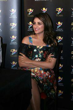 Parneeti Chopra, Ethnic Dress, Beautiful Bollywood Actress, Indian Bollywood, Bollywood Celebrities, India Beauty, Cool Pictures, Beautiful Women, Hollywood